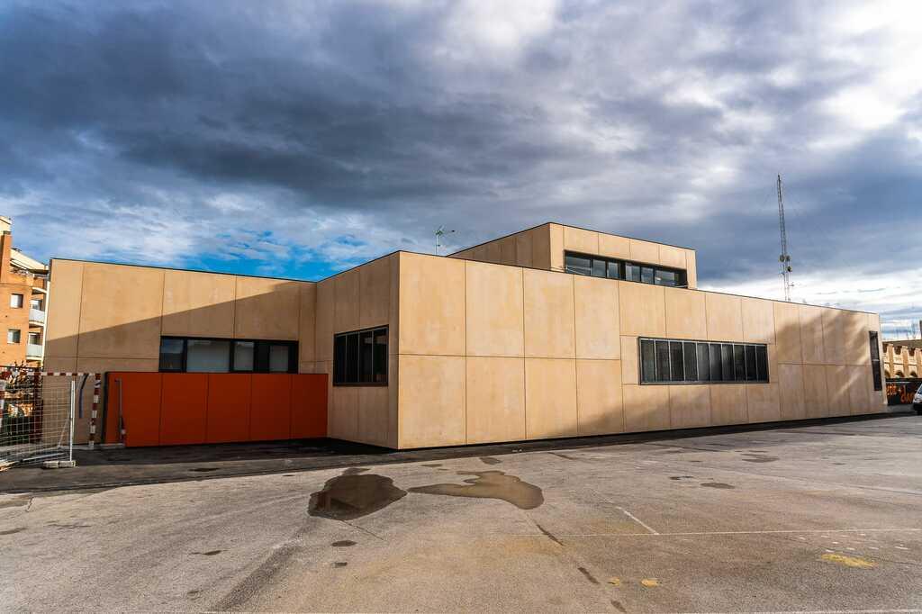 Exterior de la nova àrea infantil del col·legi.